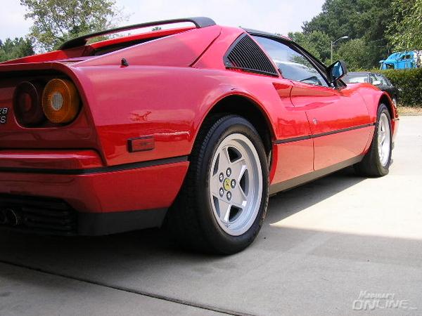 Ferrari  328 Detail